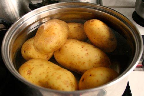 Как приготовить картофель для ловли карпа