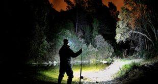 Каким должен быть фонарик для рыбалки