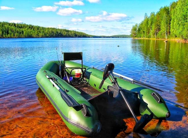 Где купить лодку ПВХ для рыбалки и на что обратить внимание при выборе